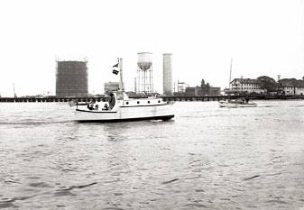 Reynolds Channel (white 2 story building on the right may be the old Queenswater Hotel).jpg