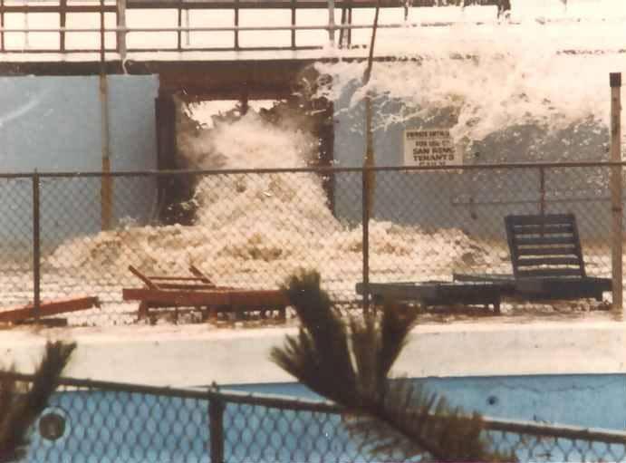 Hurricane Gloria Sept, 27 1985    Phil Kesch.jpg