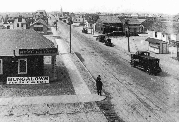 West End New York Ave Looking West Beech St 1930.jpg