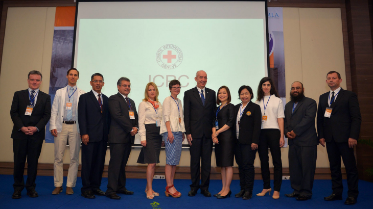 Head of ICRC Bangkok delegation, Beat Schweizer (sixth from right), with representatives from Thailand's Central Institute of Forensic Science (fourth and fifth from right), APMLA president Dr. Mohd Shah Mahmood (third from left), and all invited speakers, including Interpol FDPM asst. director Cyril Gout (far right).