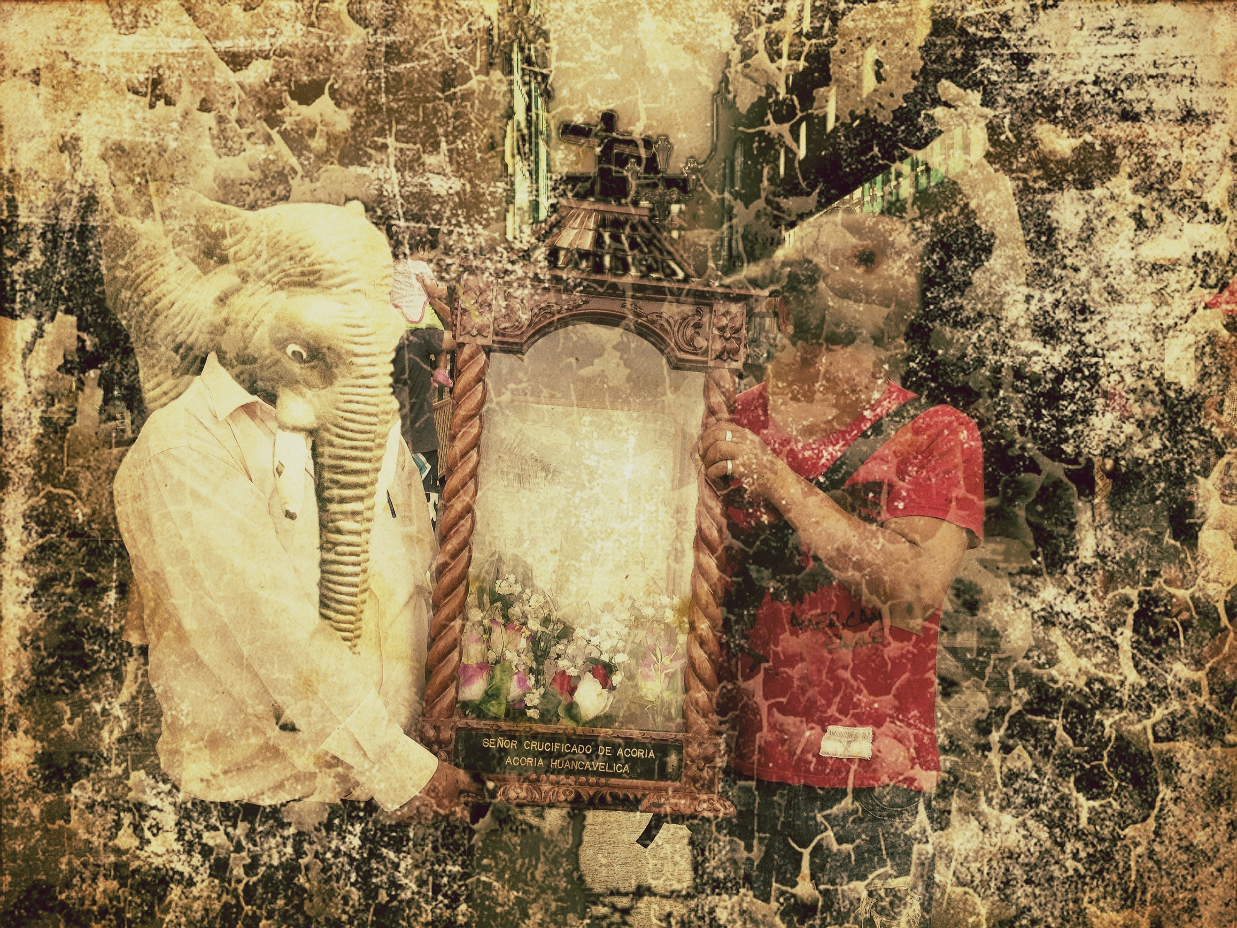 The Elephant and the Dove brought the image of their patron saint to the main square so that others worship Him