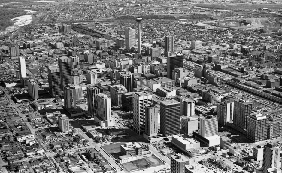 "Downtown Calgary in 1972, at the beginning of what novelist Don Gillmor has called the city's ""decade of collective madness"" (Photo: via  BuzzBuzzHome News )"