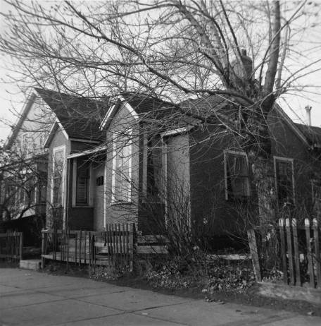 Pearl Miller's house at 526-9th Avenue SE. The literary history cabaret,Writing the East Village took place at Loft 112 (535-8th Ave SE) directly to the north of the site where Miller ran her brothel in the 1920s. (Photo:  Calgary Public Library Alison Jackson Collection )
