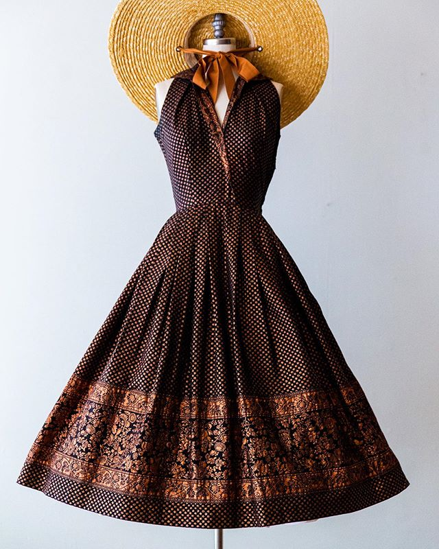 🌅Copper tone... 1950's copper cotton dress by Kaytron, size small. Details coming soon!