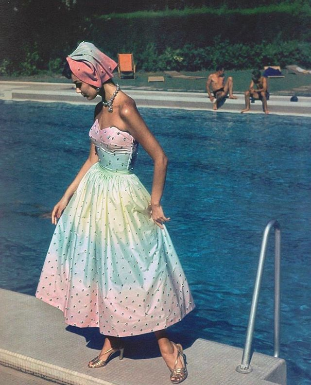 🍭Dear Universe, Can you send me a full size run of this 1950's Emilio Pucci sundress? Thanks!  Love, Liz 🍭