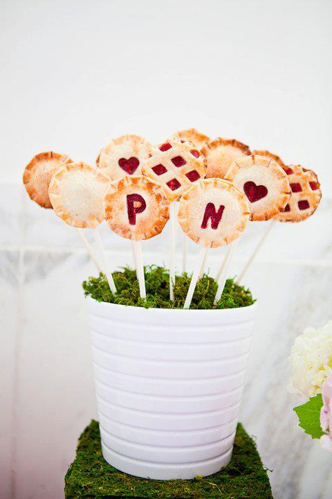 cake pop wedding favor