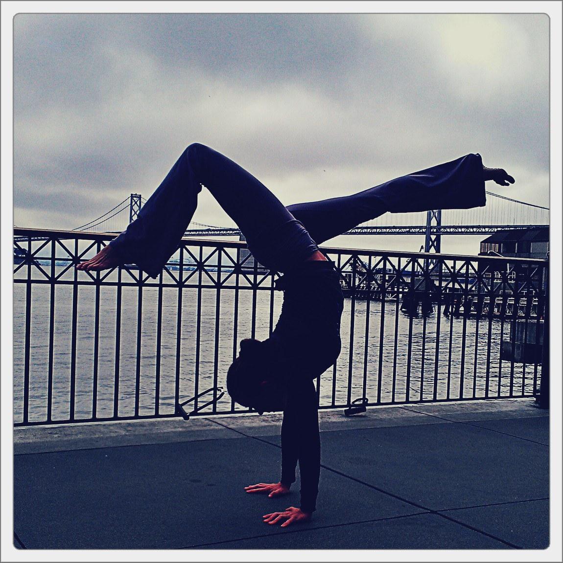bay bridge handstand.jpg