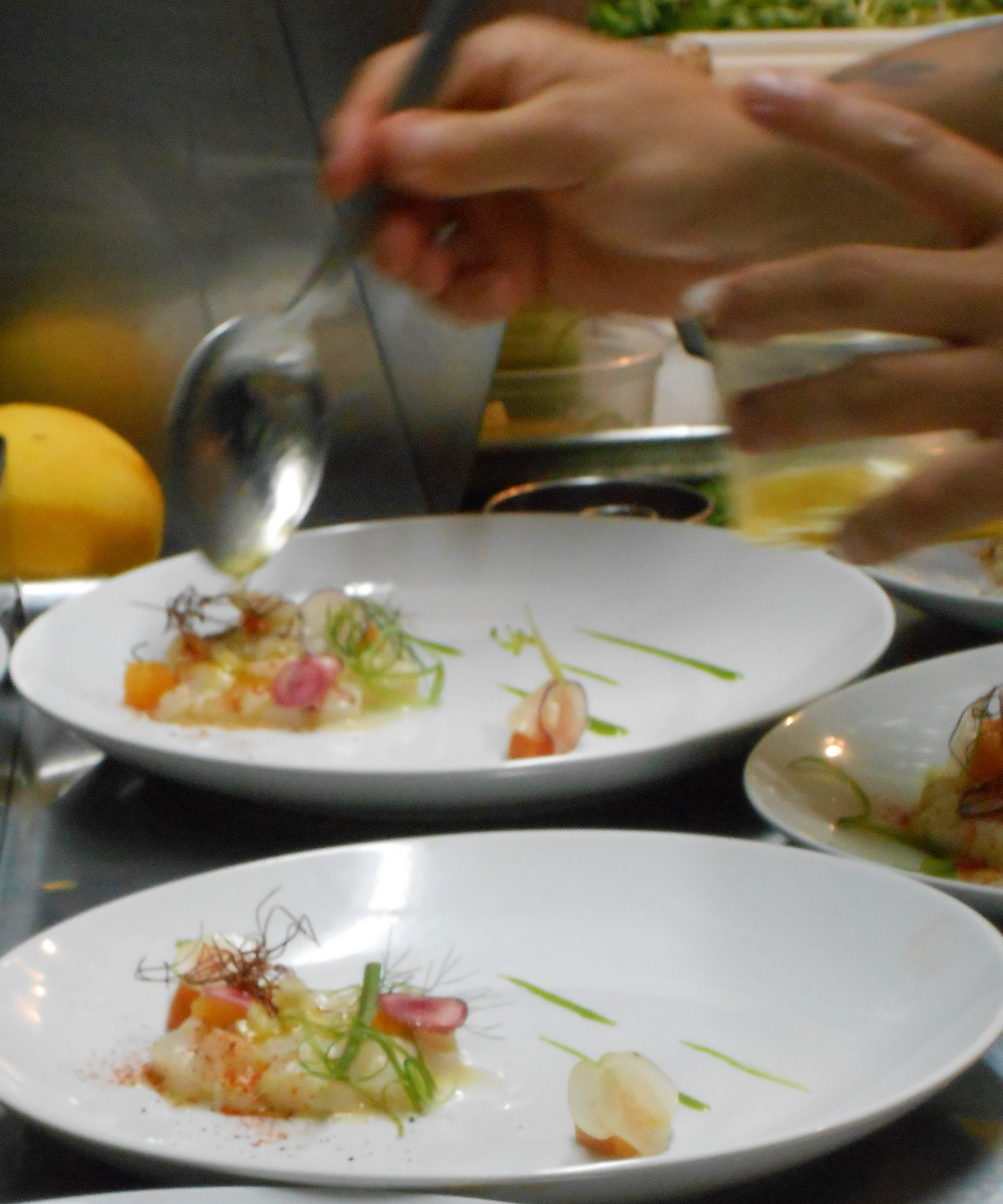 Chefs add colors and flavors to the scallop dish