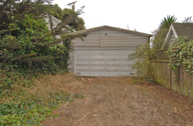 Detached-two-car-garage.jpg