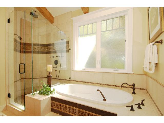 Master-bathroom-suite.jpg
