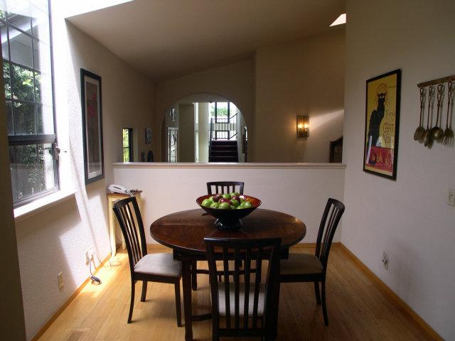 Dining-area.jpg