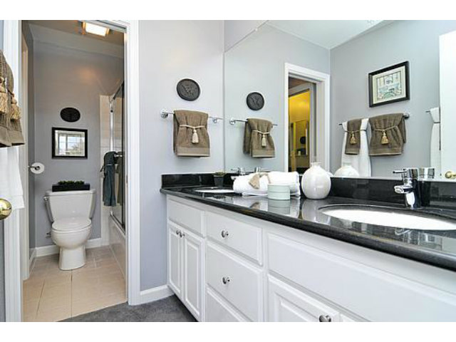 Master-bathroom1.jpg