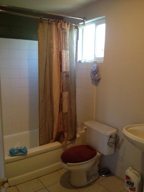 Apartment-bathroom.jpg