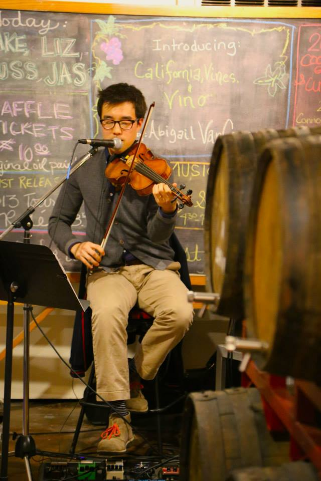 Joe Kye draws upon an electric array of folk, jazz, classical and rock. Using his violin in amazing ways he lit up 2nd Sat.
