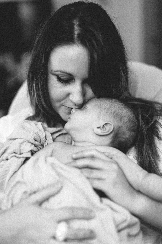Mom&BabyBW-8393.JPG