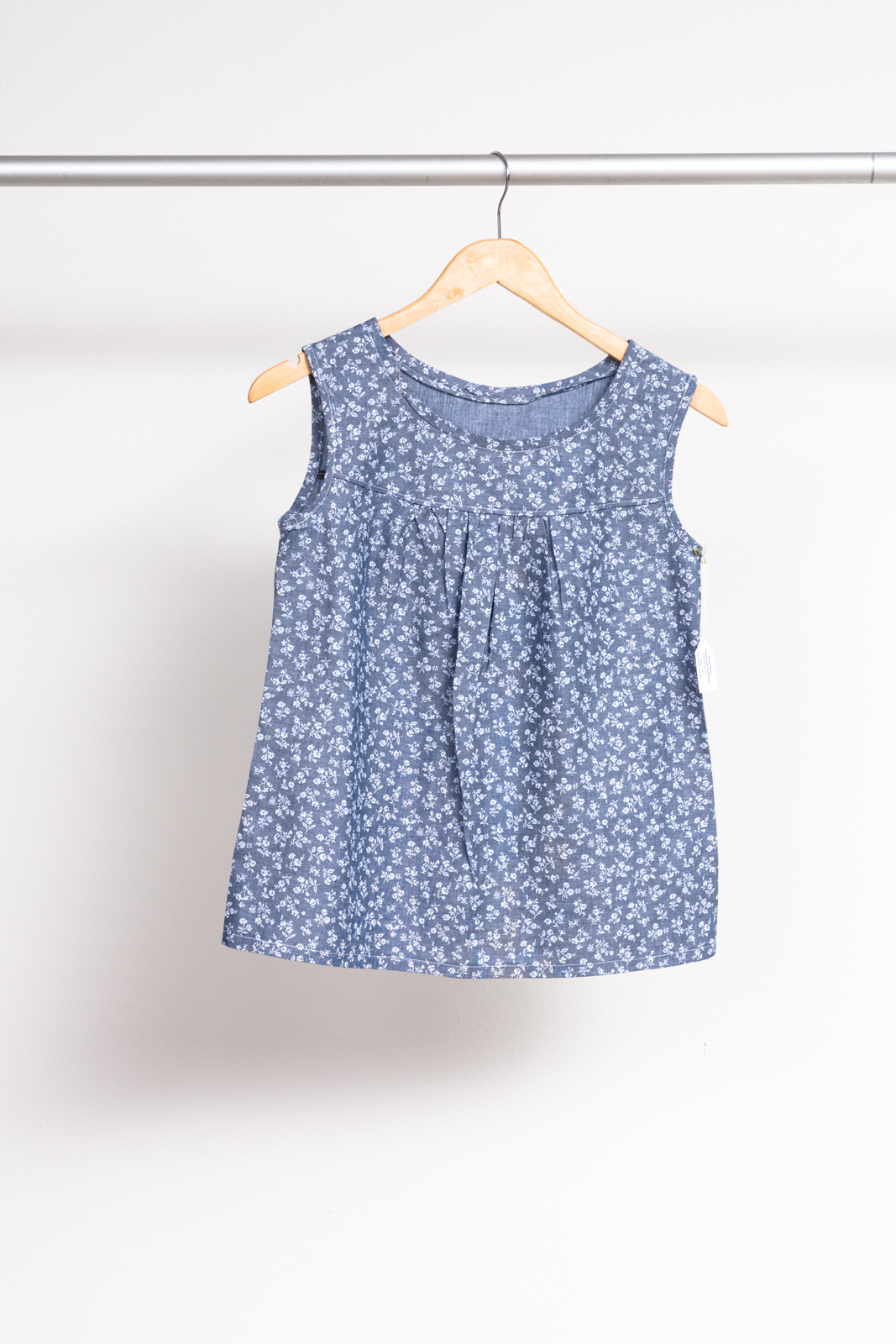 RUBY TOP BY MADE BY RAE ,  SEVENBERRY: CLASSIQUES CHAMBRAY