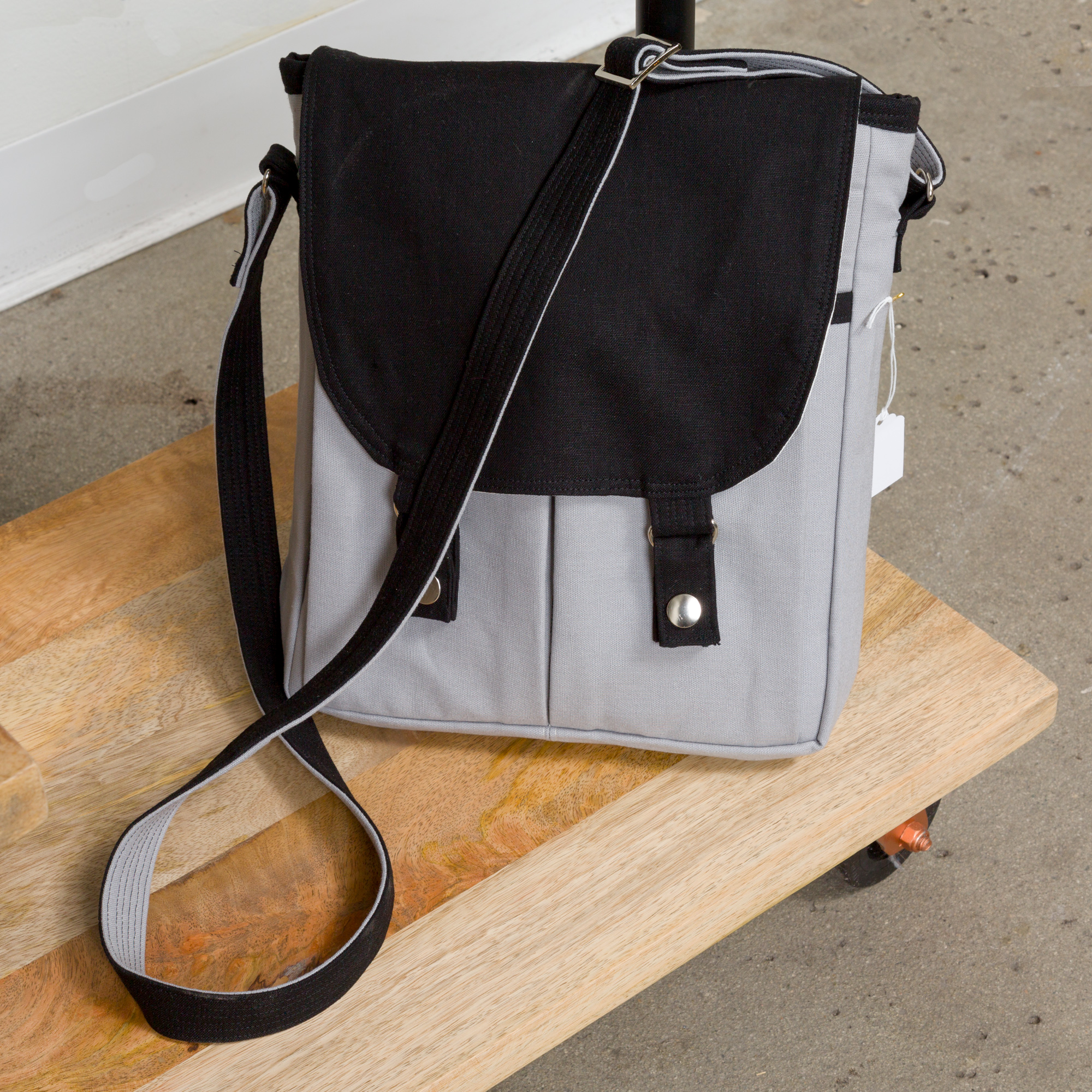 CAMPFIRE MESSENGER BAG   BY   NOODLEHEAD ,  ESSEX CANVAS
