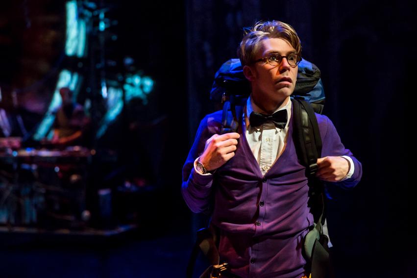 Nathan Gebhard as Oliver