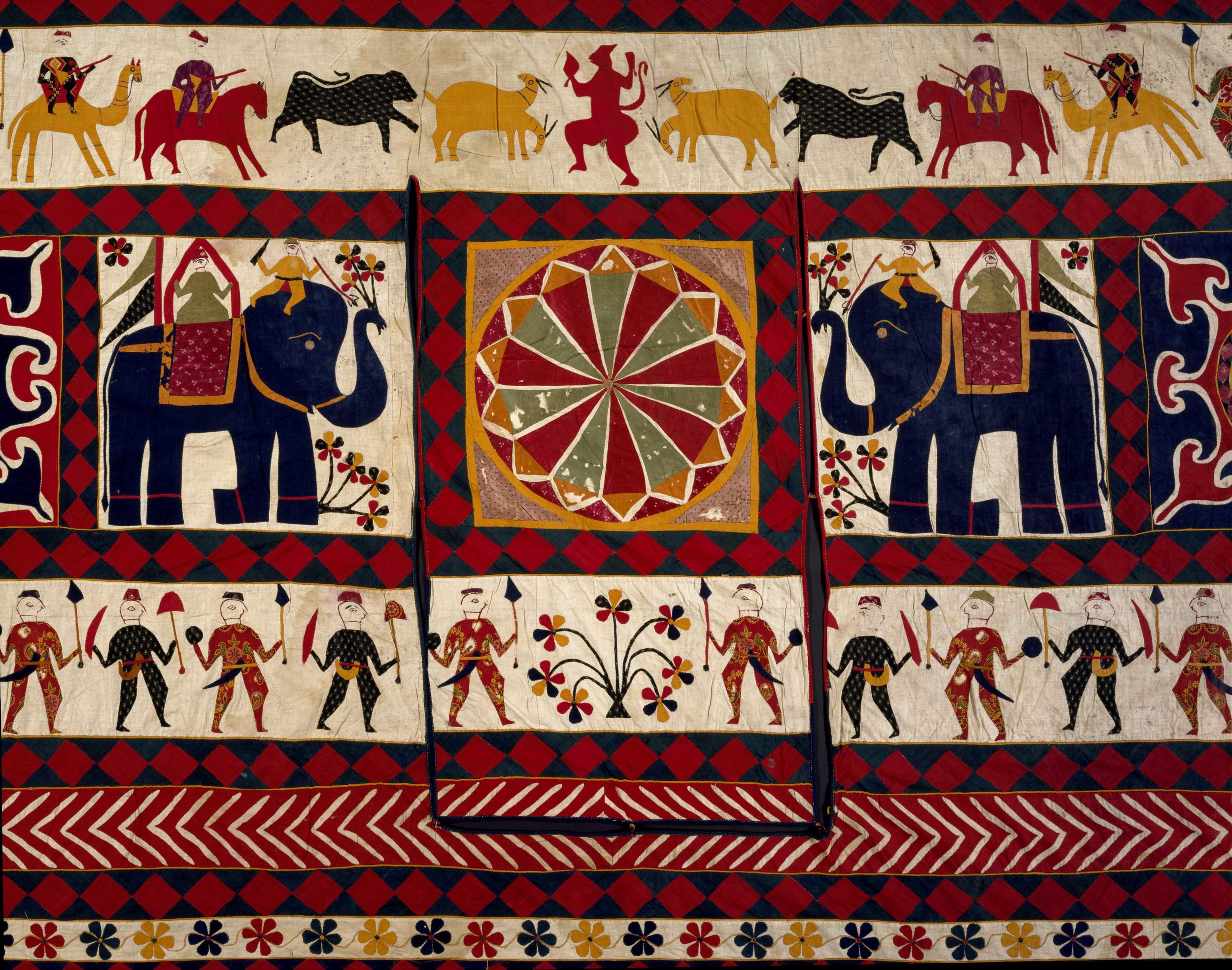 03._Wall_hanging_detail_cotton_appliqué_Gujarat_20th_century__Victoria_and_Albert_Museum_London