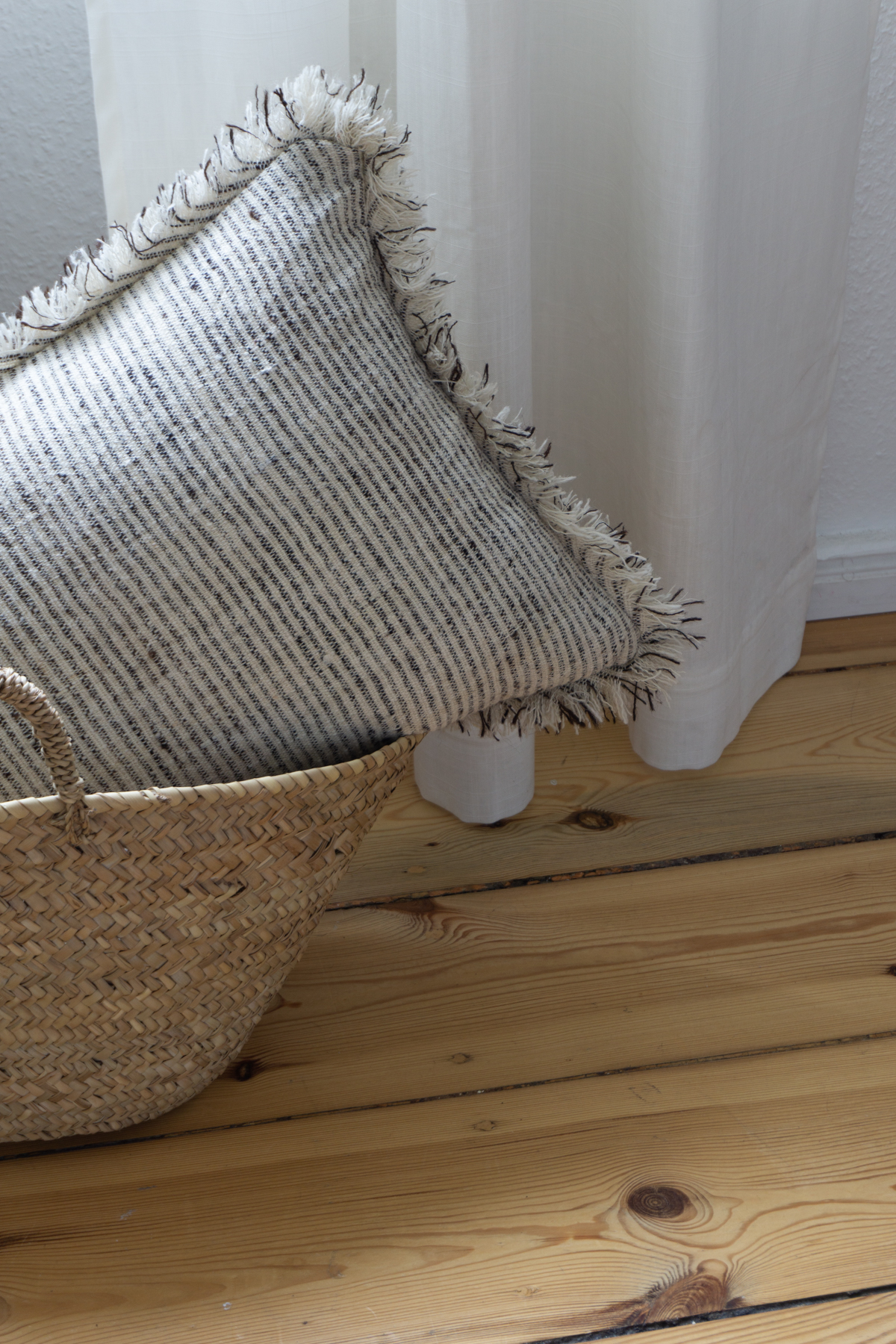 stitch-by-stitch-sustainable-ethical-organic-bedding-textiles-interior-design-bedroom-rg-daily-blog-22.jpg