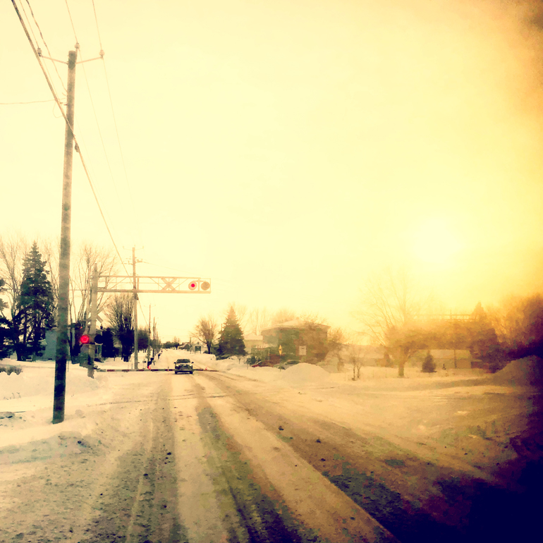 WinterTrainCrossing_770px(9572).jpg