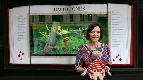 http://www.smh.com.au/entertainment/books/childrens-authors-christmas-story-decorates-david-jones-windows-20141127-11unep.html