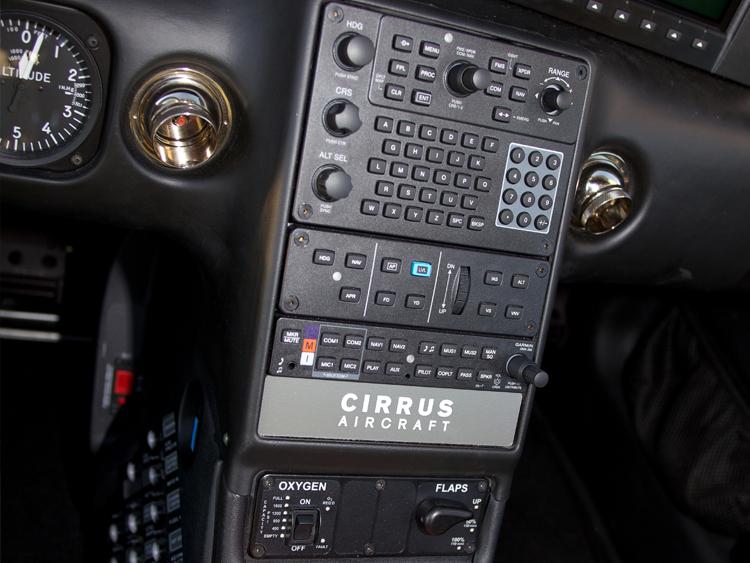 N415DG-autopilot.jpg
