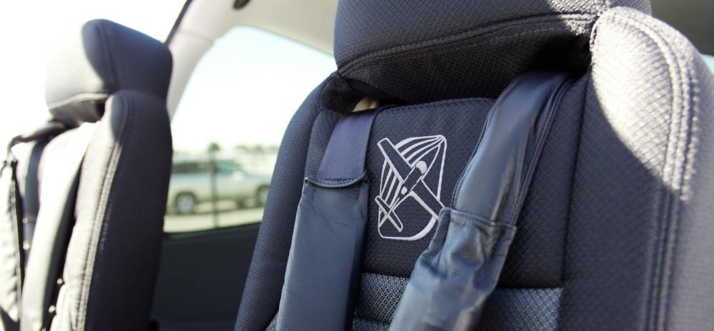 N778JG-Pilot-Seats.jpg