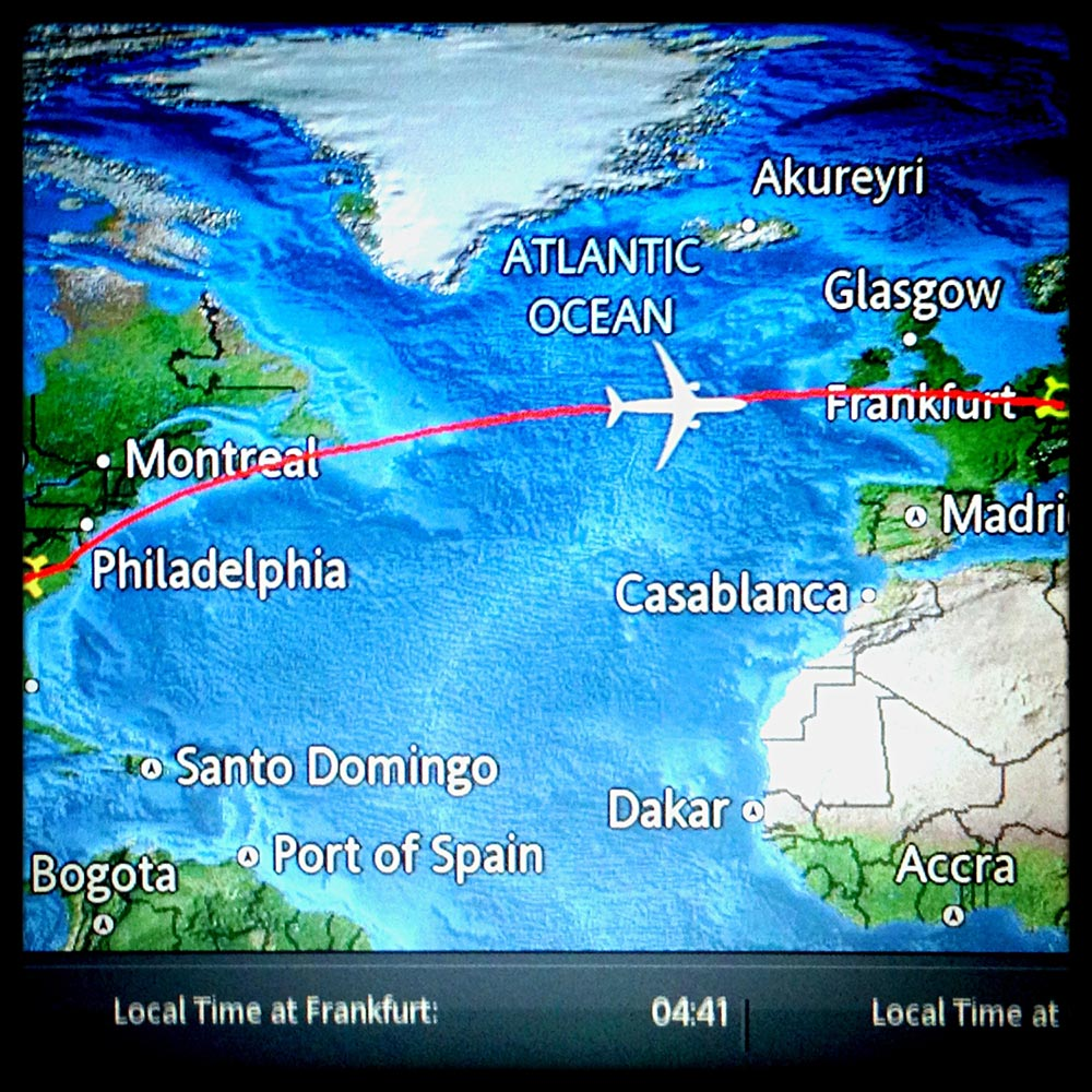 A camera phone pic of the monitor tracking our movement toward Italy. I'm pretty sure thus place is drawn to scale.