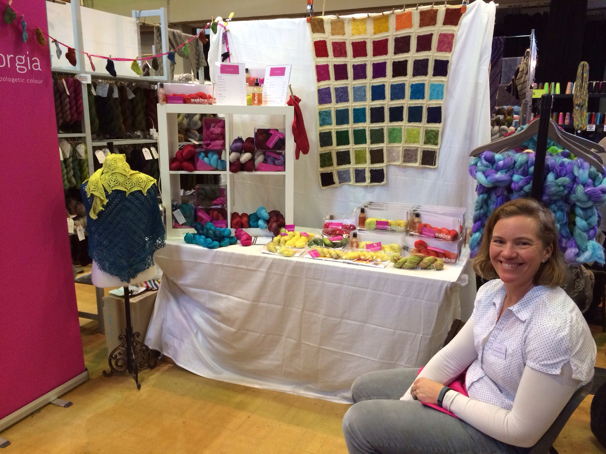 Rachel - aka the lovely Porpoise - helped me man the booth all weekend. And see, the blanket did get finished in the end!