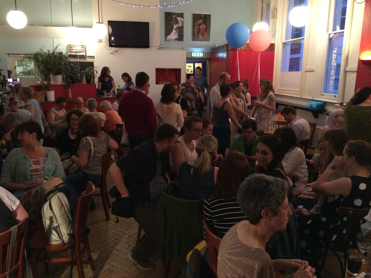 Half of the Seaside Shindig - there was another room in the basement of the bar filled with knitters too!