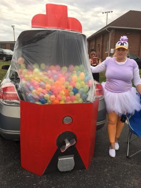 Trunk Gum Ball machine.JPG
