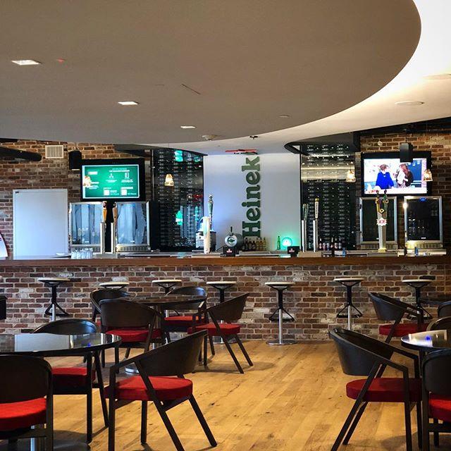 Every office lobby should have a bar 🍻 #heinekenusa