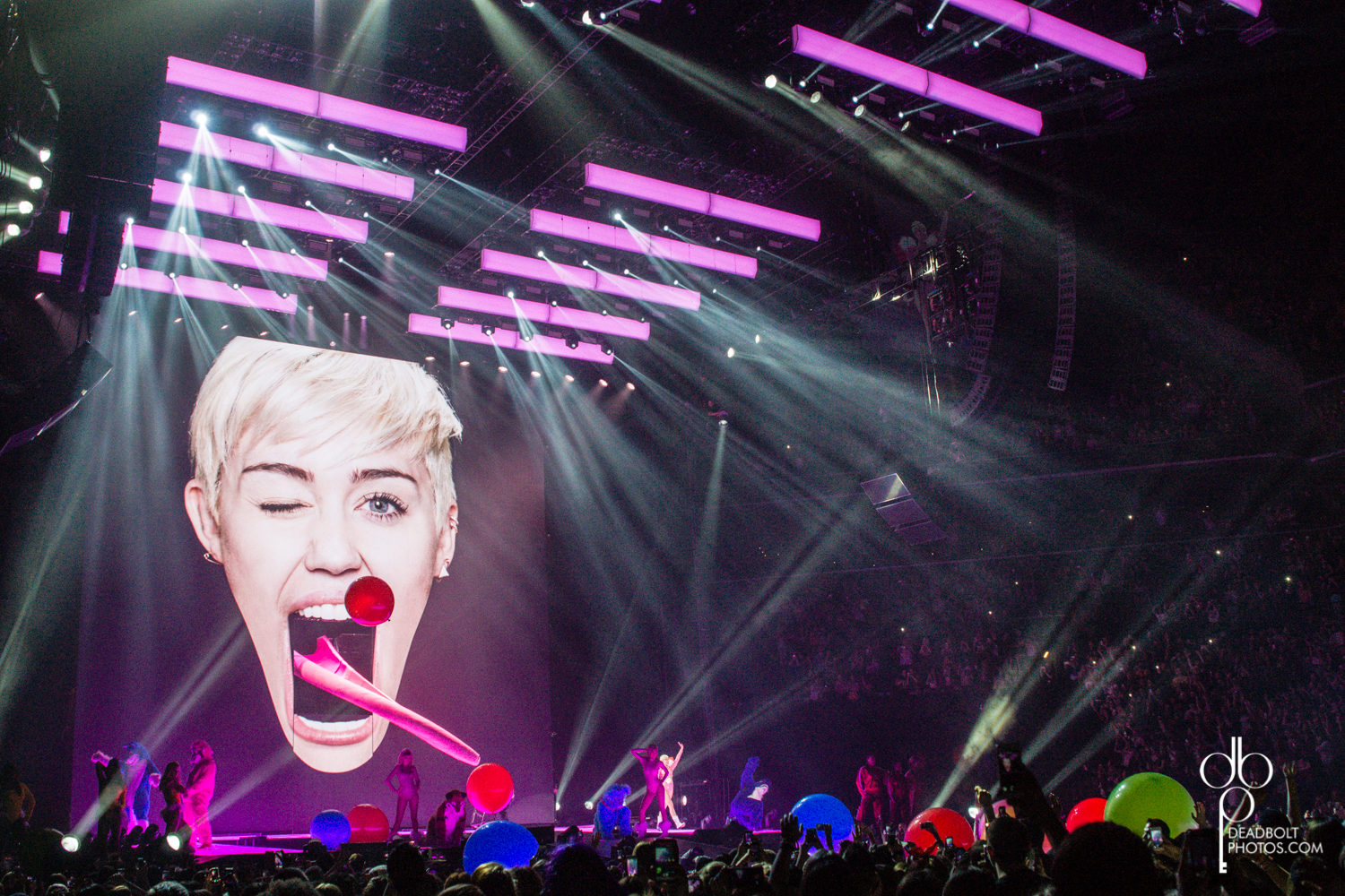 Bangerz Tour Hits Brooklyn