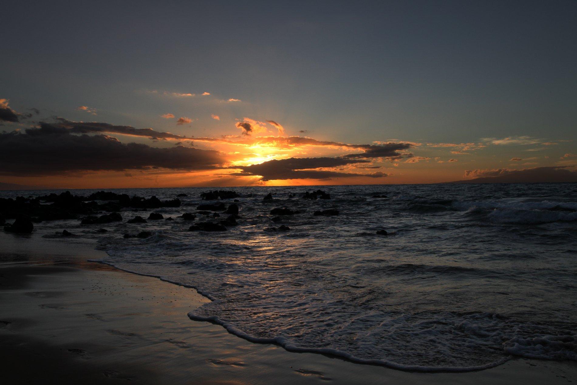 Sunset from Keawakapu.jpg