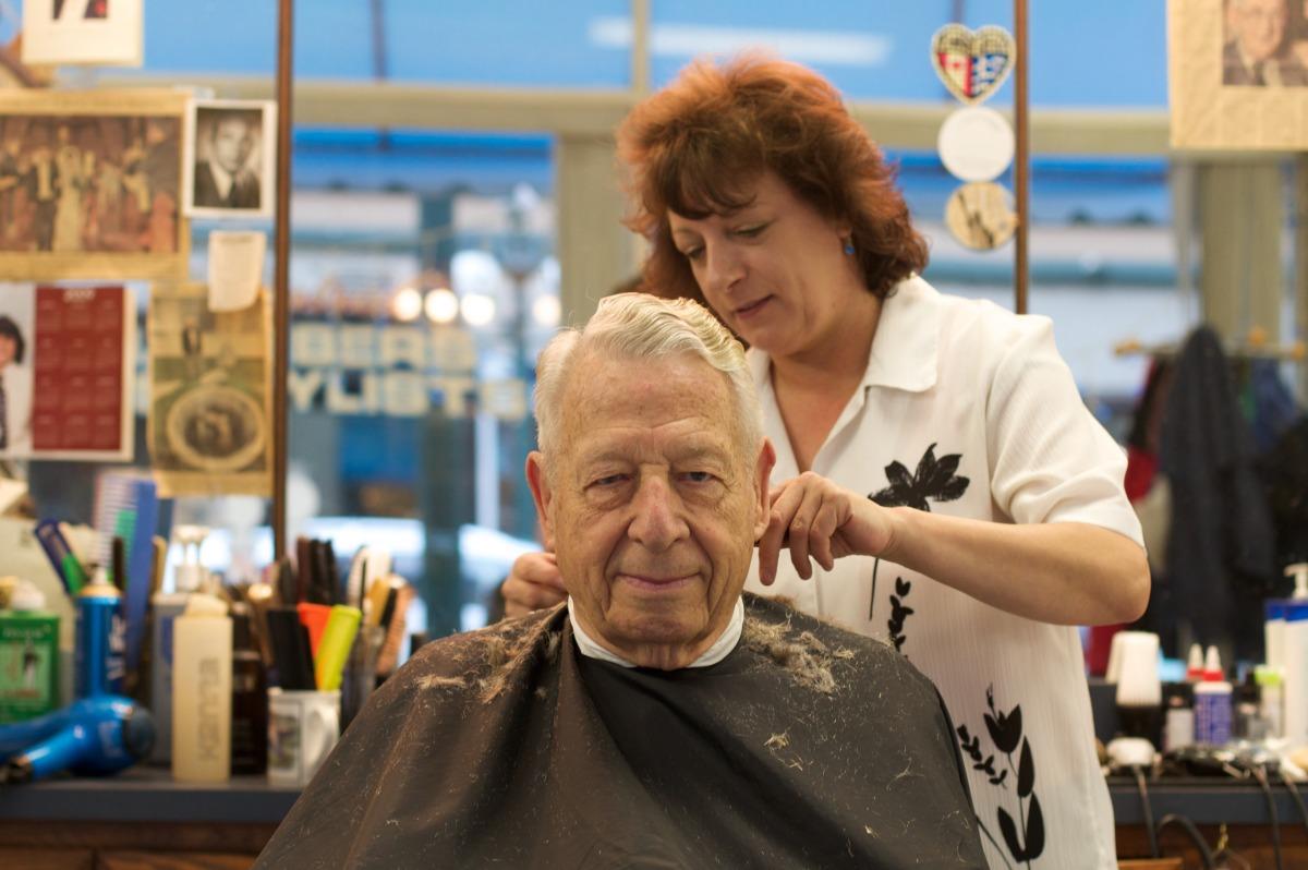2010-12-18 at 10-44-01 old man woman barber haircut age mirror.jpg