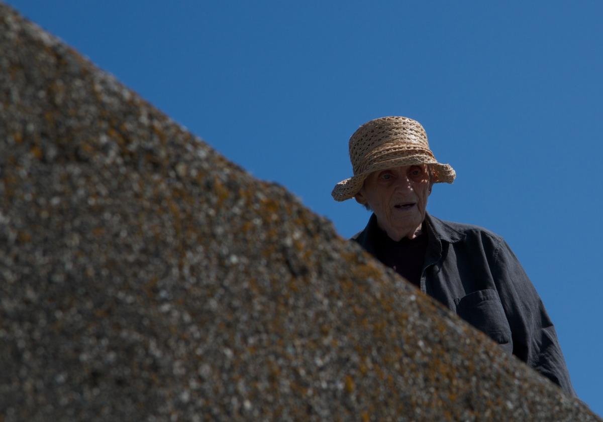 2011-08-06 at 10-19-30 old lady age elderly woman walking hat.jpg