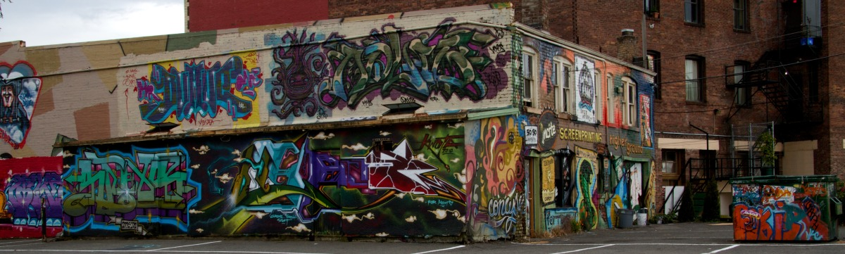 2010-05-29 at 17-27-36 art, building, covered, graffiti, street life, victoria.jpg