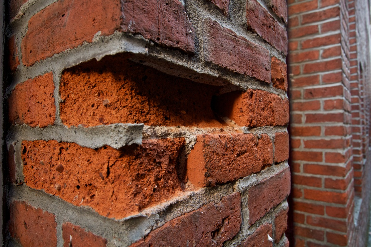2012-02-04 at 14-24-11 angles bricks broken decay orange perspective urban.jpg