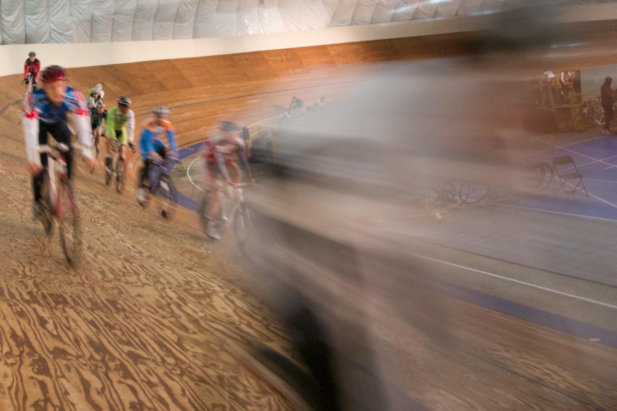 2010-12-30 at 09-52-36 blur corner cycling speed sports track velodrome.jpg