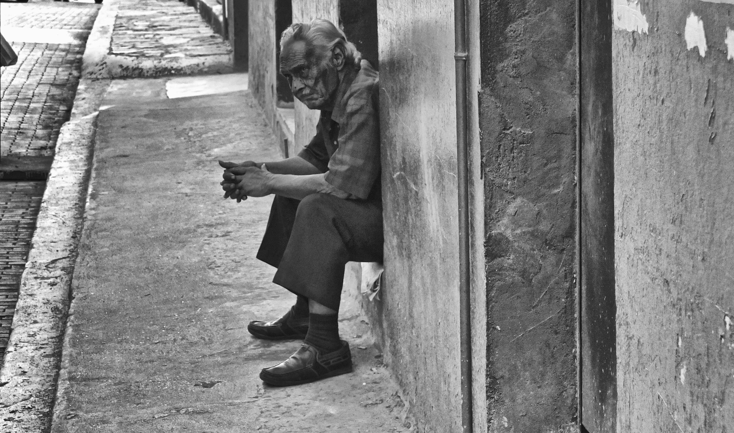 2012-12-31 at 09-38-02 Black & White, Old Man, Sidewalk, Street, Waiting, Watching.jpg