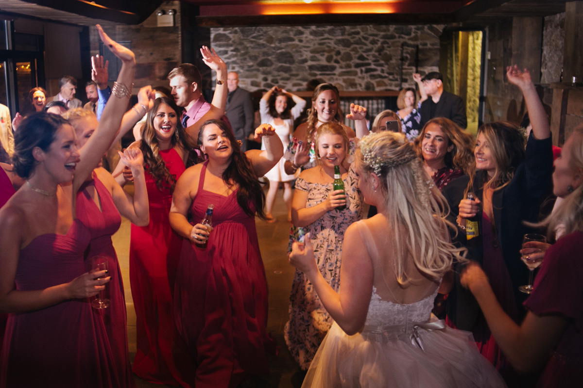 lowlight photography dancing wedding