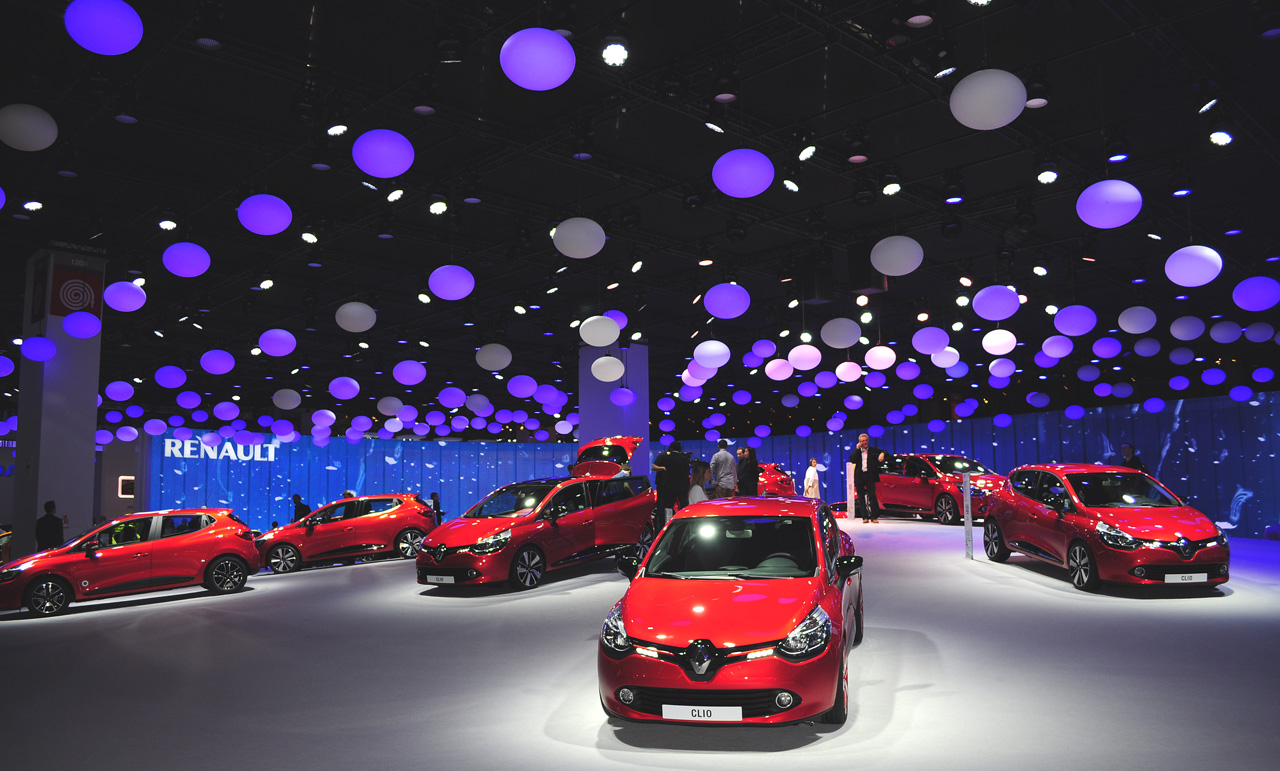 05431449-photo-live-mondial-auto-paris-2012-stand-renault.jpg