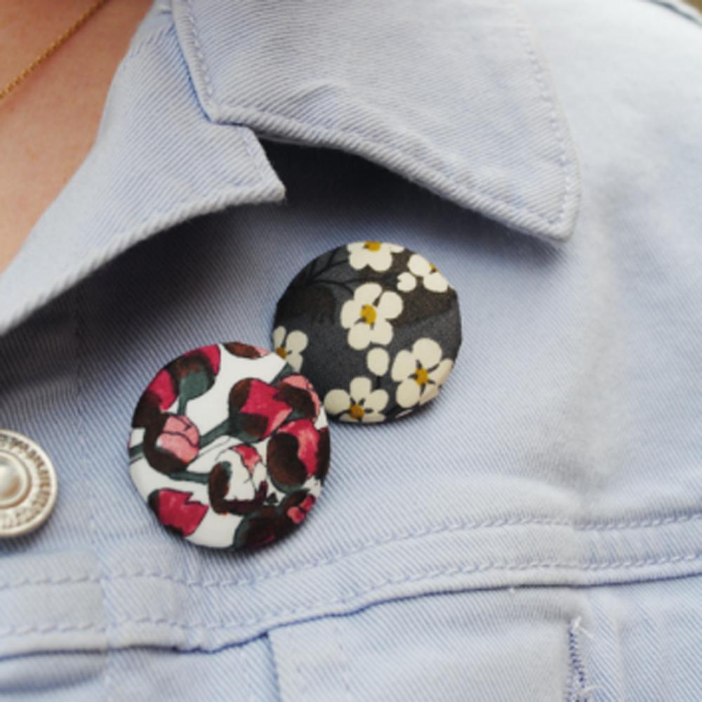 flower badges.png