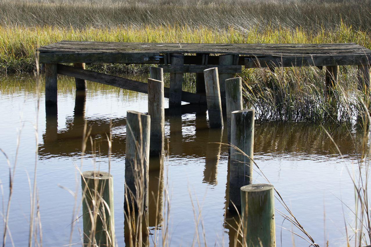 On old bygone dock stands silent