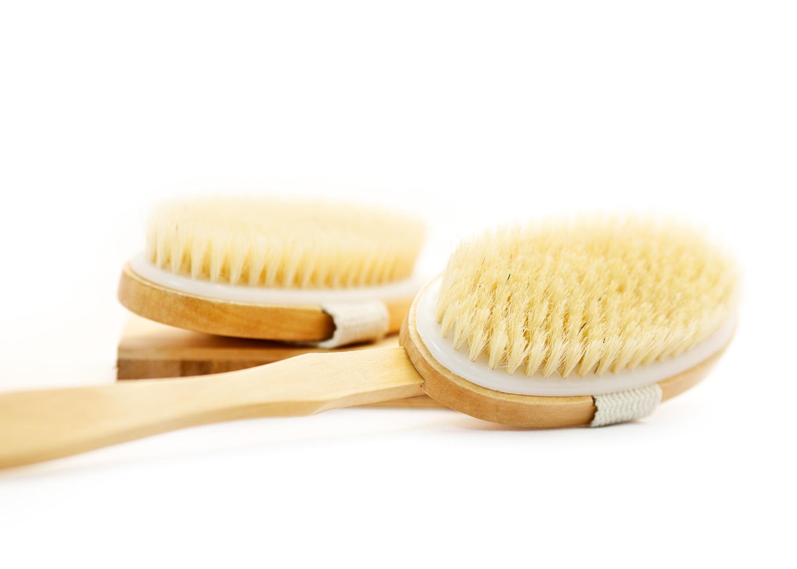 Dry skin brushing improves cellulite.