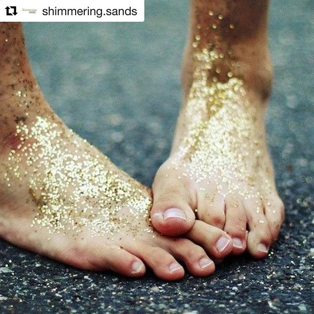 I recently had the pleasure of treating the lovely mummy to be Jade with some pregnancy Reflexology. You can read all about it and our interview in her Shimmering Sands review @shimmering.sands #pregnancyreflexology #reflexologydubai #deeprelaxation #andrelax #thewholeninemonths #whattohavewhenyouareexpecting