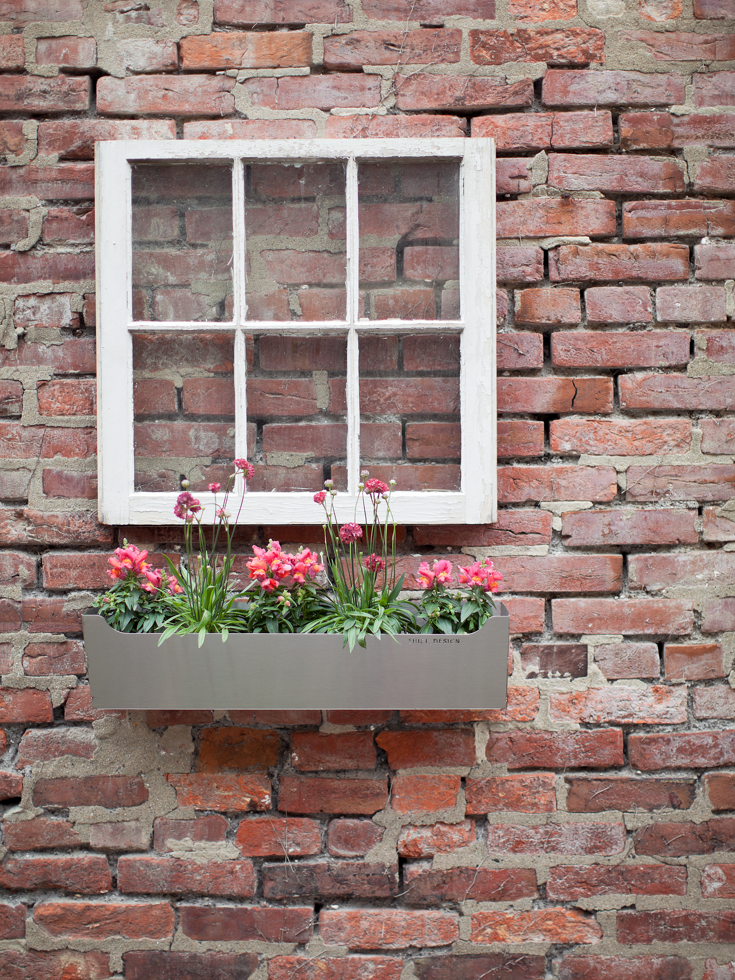so2011009_window_planter.jpg