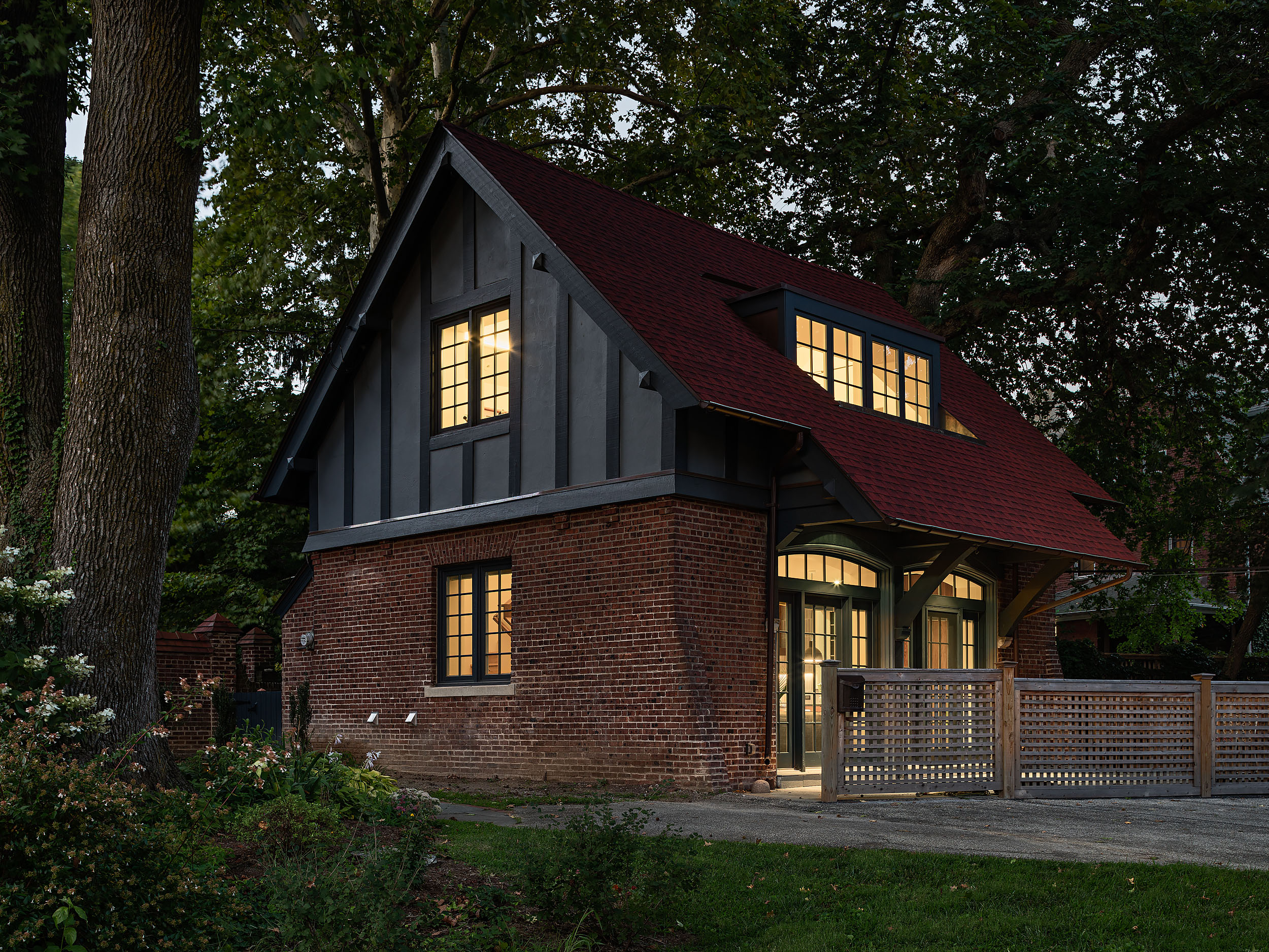 Modern Carriage House