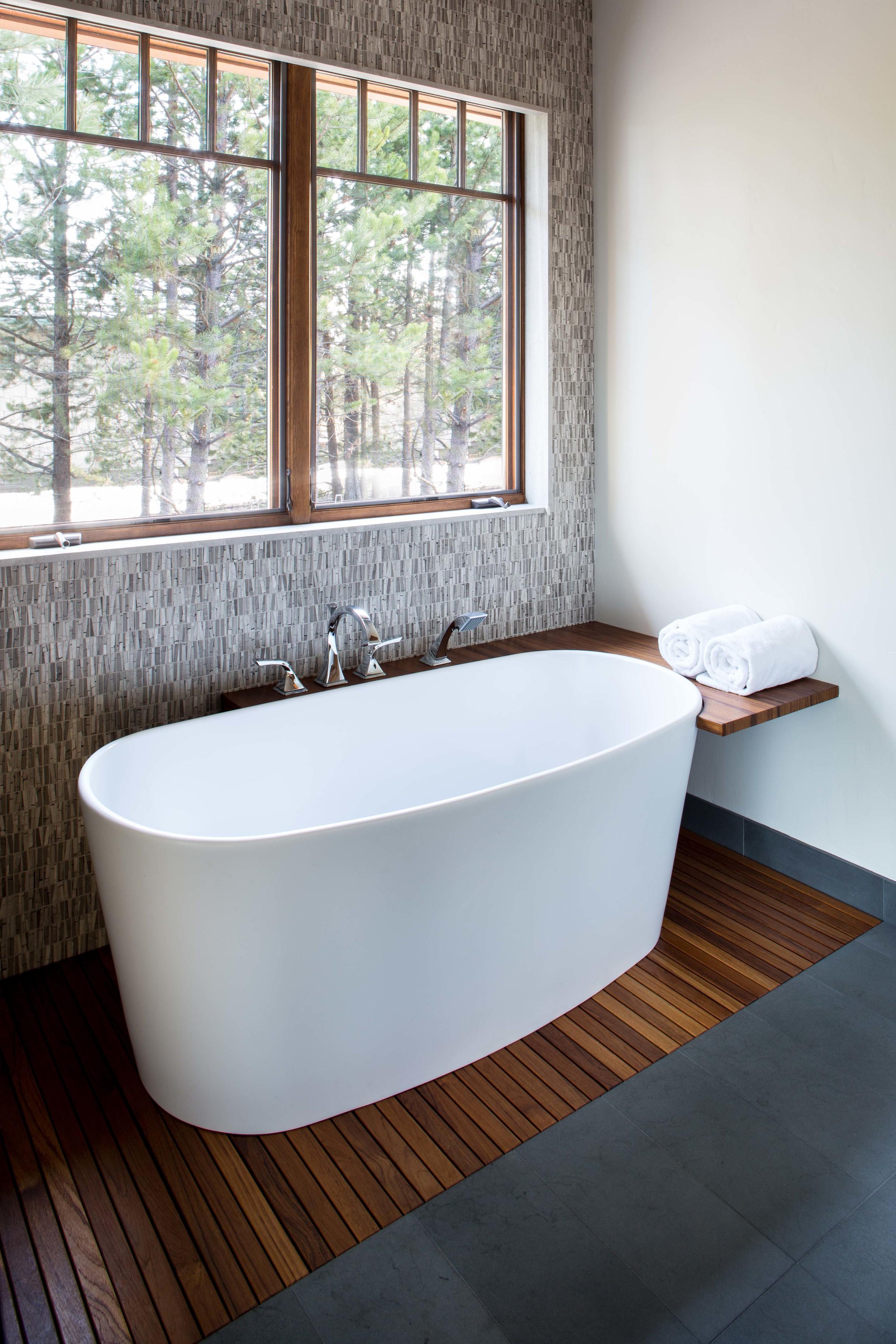 Maven_Crosswater_Bathtub.jpg